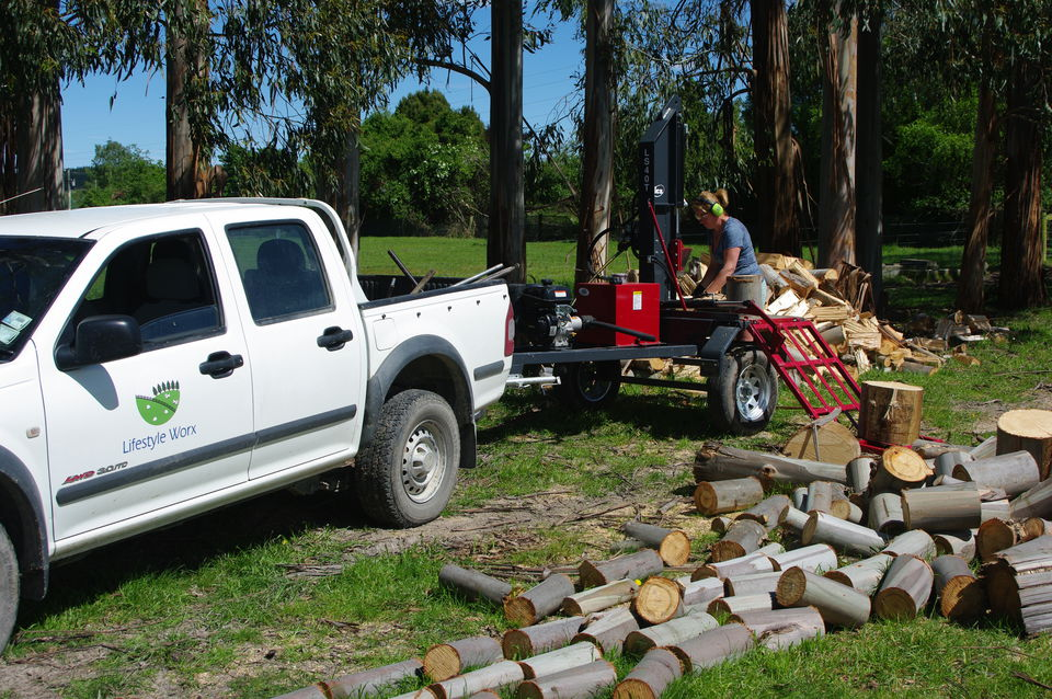 Wood splitter Chainsaw work North Canterbury